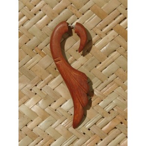 paire de boucles d 39 oreilles en bois forme aile faux ecarteur. Black Bedroom Furniture Sets. Home Design Ideas